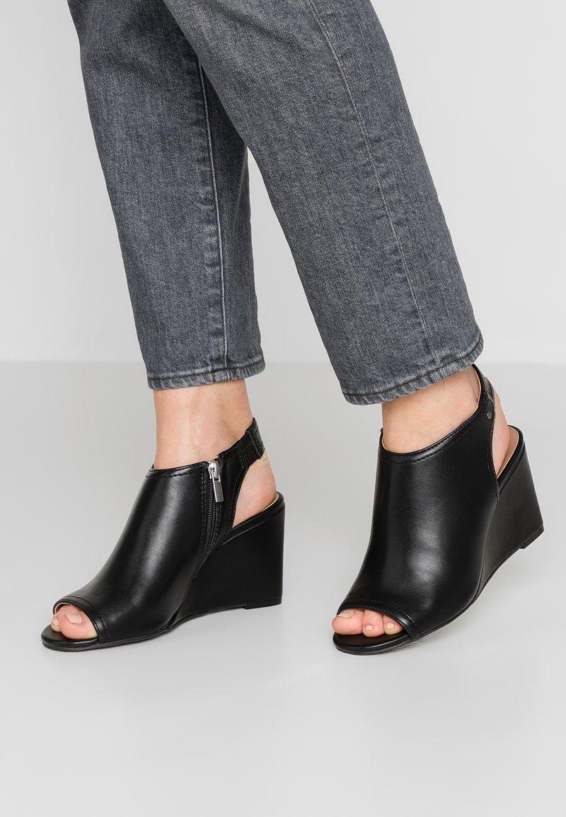 Matt & Nat - JASMINE VEGAN  - Wedge sandals - black