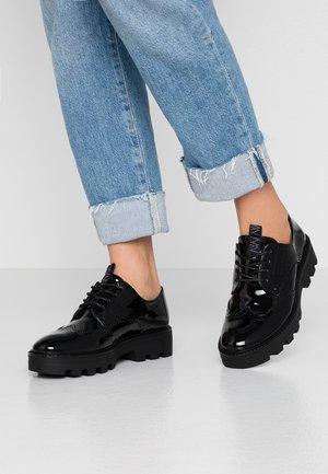 ITZA - Šněrovací boty - black
