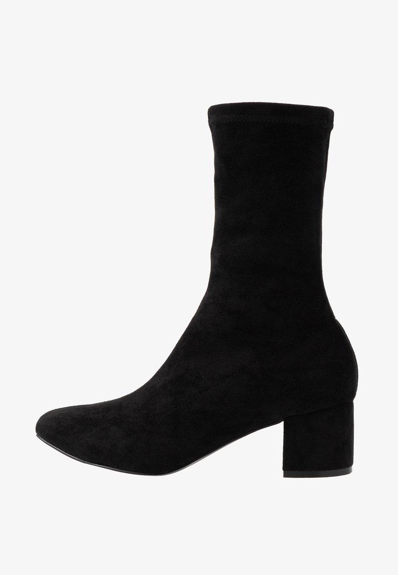 Matt & Nat - ORLA VEGAN  - Korte laarzen - black