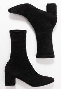 Matt & Nat - ORLA VEGAN  - Kotníkové boty - black - 1