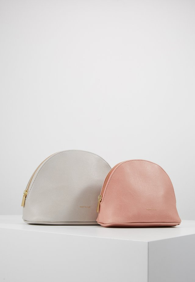DUET SET - Wash bag - pearl/ceramic