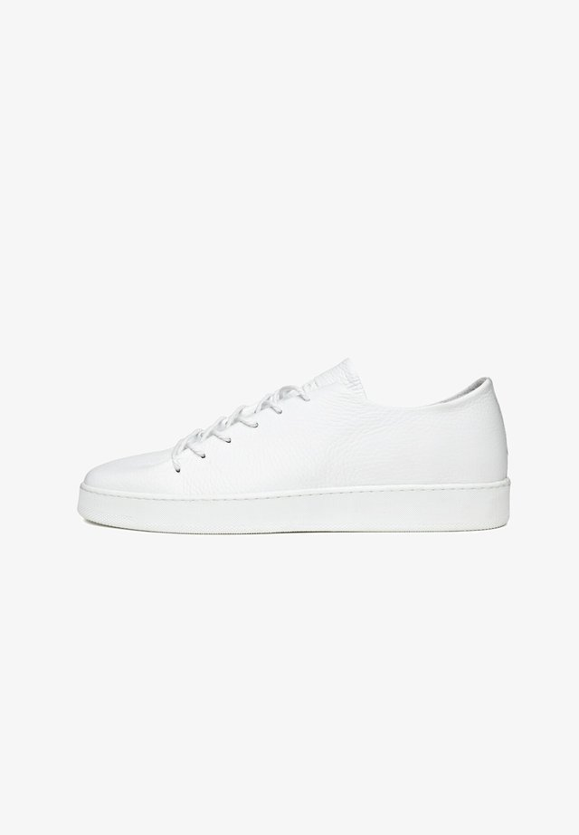 ONEPIECE - Sneakers laag - wit