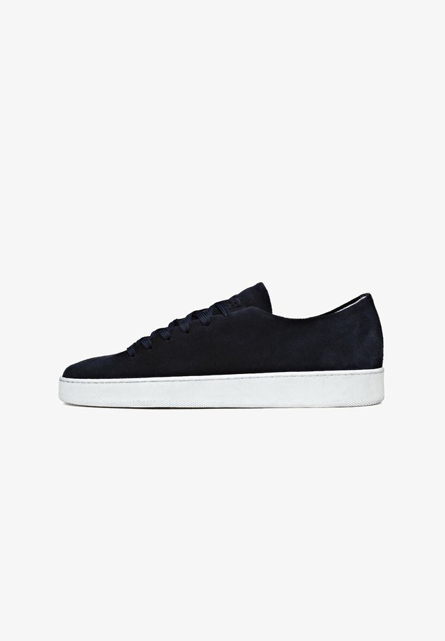 ONEPIECE - Sneakers laag - donkerblauw