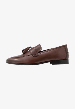 MILO TASSEL LOAFER - Scarpe senza lacci - brown