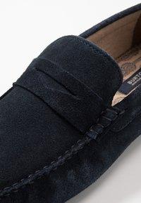 Burton Menswear London - FLINT DRIVING LOAFER - Mokasíny - navy - 5