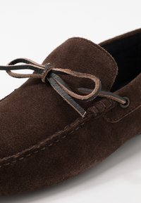 Burton Menswear London - FLINT LACE DRIVER - Mokasíny - brown - 5