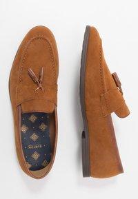 Burton Menswear London - SYLVAIN TASSEL LOAFER - Slip-ons - tan - 1