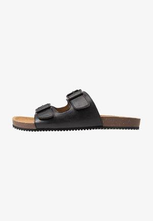 FLOYD  - Domácí obuv - black