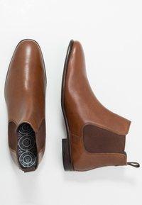 Burton Menswear London - BANKS CHELSEA - Classic ankle boots - tan - 1