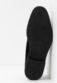 Burton Menswear London - JACOBY DERBY - Šněrovací boty - black - 4