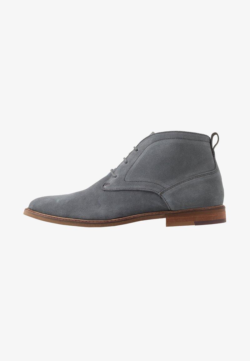 Burton Menswear London - BRAN CHUKKA - Lace-ups - grey