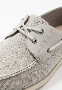 Burton Menswear London - FLETCH BOAT SHOE - Náuticos - grey - 5