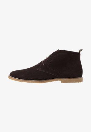 MORRIS - Volnočasové šněrovací boty - brown