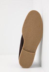 Burton Menswear London - MORRIS - Volnočasové šněrovací boty - brown - 4