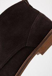 Burton Menswear London - BRAN - Šněrovací boty - brown - 5