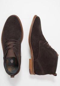 Burton Menswear London - BRAN - Šněrovací boty - brown - 1