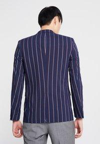 Burton Menswear London - BURG BOLD STRIPE  - Sako - navy - 2