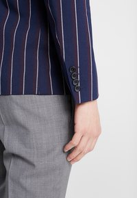 Burton Menswear London - BURG BOLD STRIPE  - Sako - navy - 3