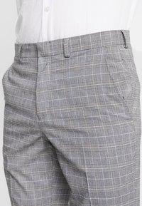 Burton Menswear London - POW CHECK  - Anzughose - light grey - 5