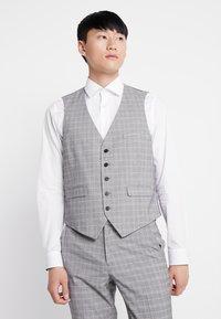 Burton Menswear London - MULTI POW CHECK - Anzugweste - light grey - 0
