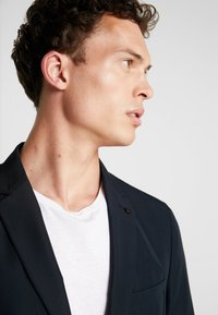 Burton Menswear London - Blazer jacket - navy - 3