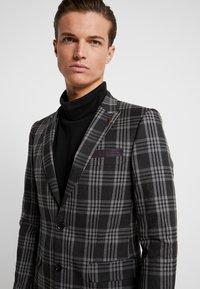 Burton Menswear London - LARGE TARTAN - Giacca elegante - grey - 5