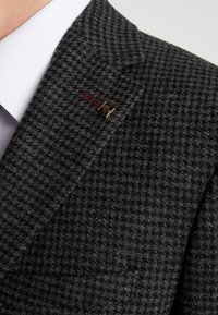 Burton Menswear London - DOGTOOTH BLAZER - Jakkesæt blazere - charcoal - 7