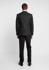 Burton Menswear London - DOGTOOTH BLAZER - Jakkesæt blazere - charcoal - 2