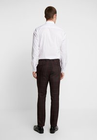 Burton Menswear London - TARTAN  - Pantaloni eleganti - red - 2
