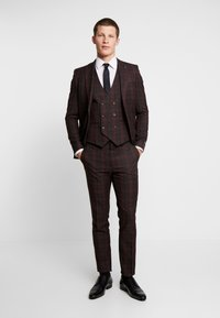 Burton Menswear London - TARTAN  - Pantaloni eleganti - red - 1