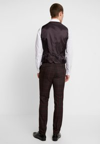 Burton Menswear London - TARTAN - Gilet elegante - red - 2