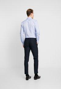 Burton Menswear London - WATCH CHECK - Spodnie garniturowe - black - 2