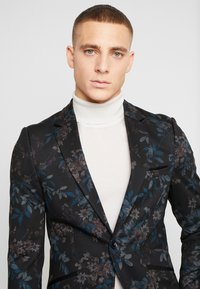 Burton Menswear London - Sako - multi - 3