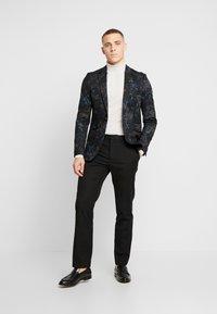 Burton Menswear London - Sako - multi - 1
