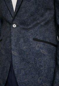 Burton Menswear London - PAISLY  - blazer - navy - 5