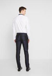 Burton Menswear London - FLORAL JACQUARD - Oblekové kalhoty - black - 2