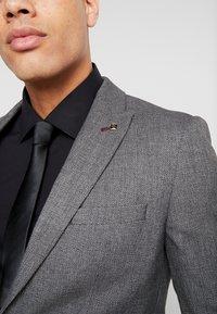 Burton Menswear London - BIRDSEYE - Jakkesæt blazere - grey - 4
