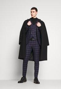 Burton Menswear London - TARTAN - Veste de costume - navy - 1