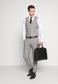 Burton Menswear London - Gilet elegante - grey - 1
