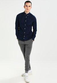 Burton Menswear London - OXFORD      - Skjorte - navy - 1
