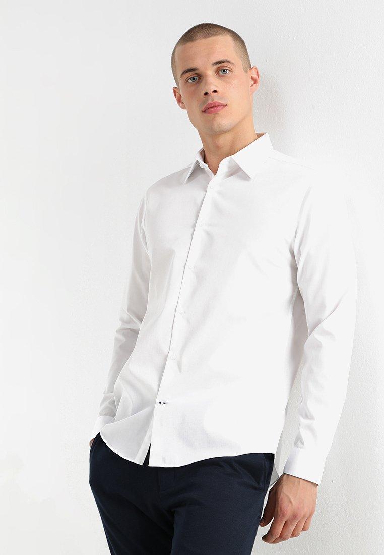 Burton Menswear London - SLIM ESSENTIAL - Kauluspaita - white