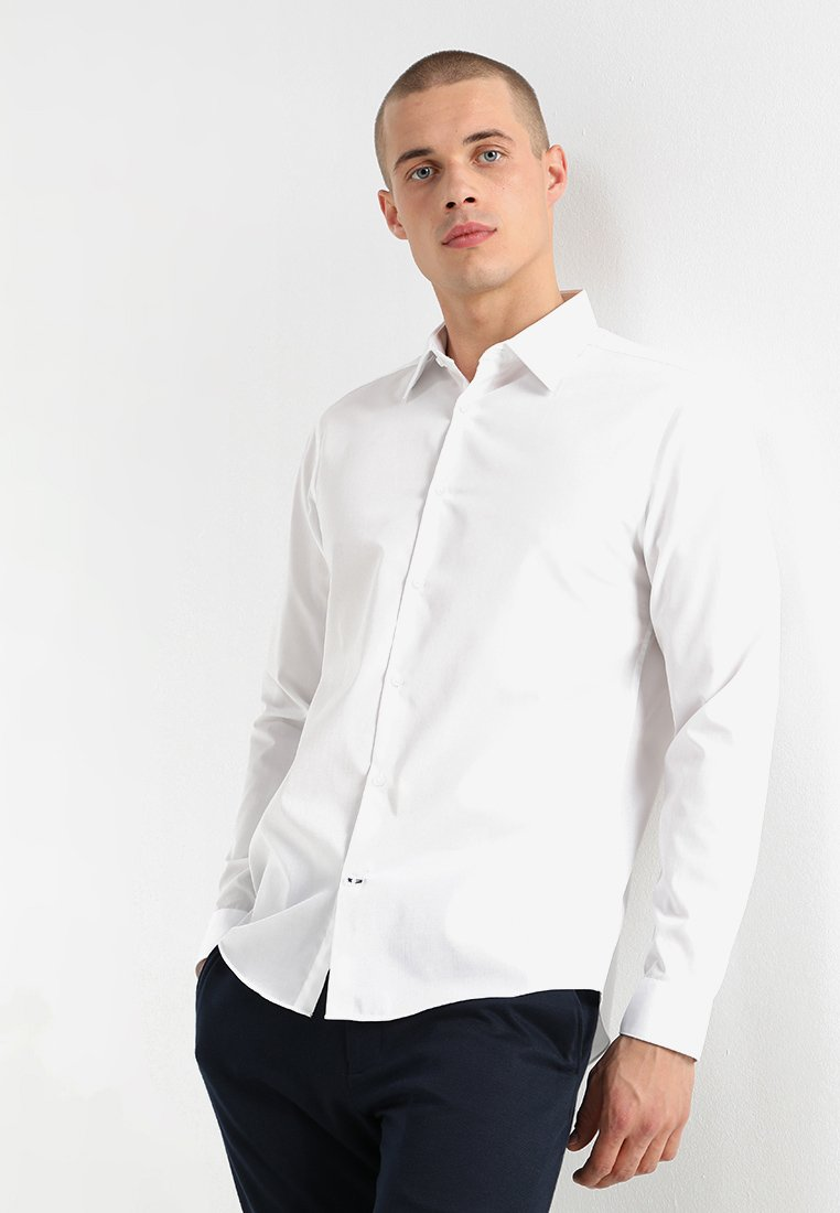 Burton Menswear London - SLIM ESSENTIAL - Formal shirt - white