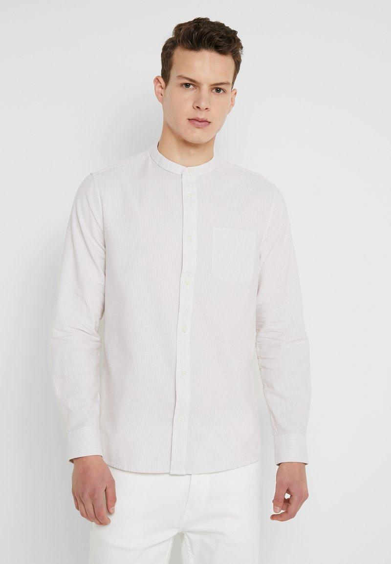Burton Menswear London - STONE FINE STRIPE GRANDAD - Camicia - stone