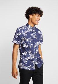 Burton Menswear London - LARGE FLORAL - Vapaa-ajan kauluspaita - navy - 0