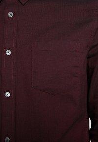 Burton Menswear London - OXFORD - Shirt - burgundy - 5