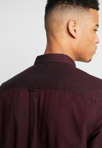 Burton Menswear London - OXFORD - Shirt - burgundy - 3