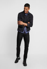 Burton Menswear London - FLORAL - Skjorta - black - 1