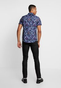 Burton Menswear London - FLORAL - Skjorta - black - 2