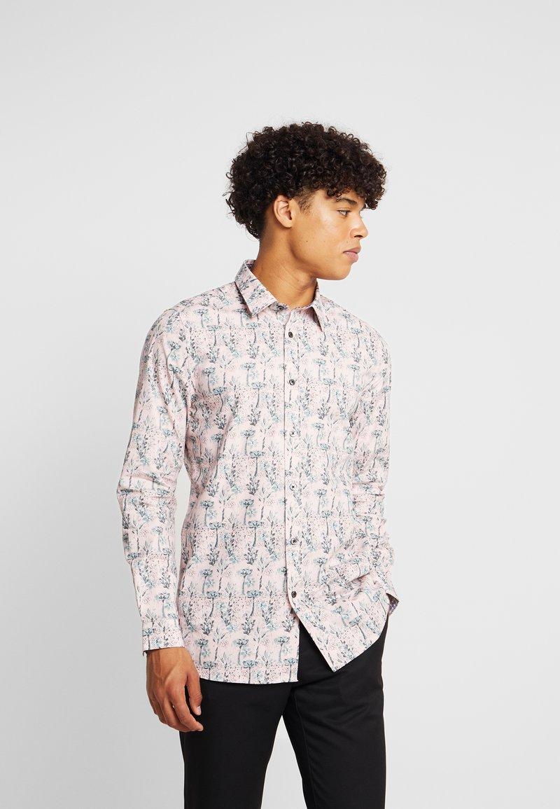 Burton Menswear London - ELLAR BOTANICAL FLOR - Skjorter - pink