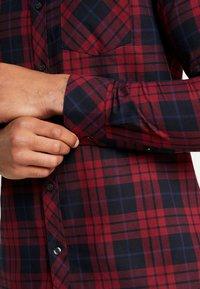 Burton Menswear London - PERRY  - Hemd - burgundy - 3